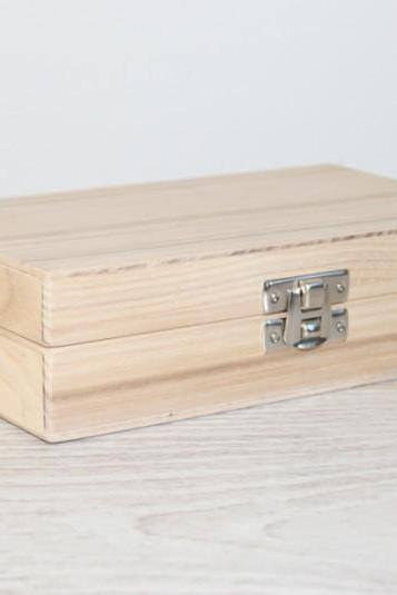 Small Wooden Gift and Keepsake Box 5.90 x 3.15 x 1.57 inch Ash Wood